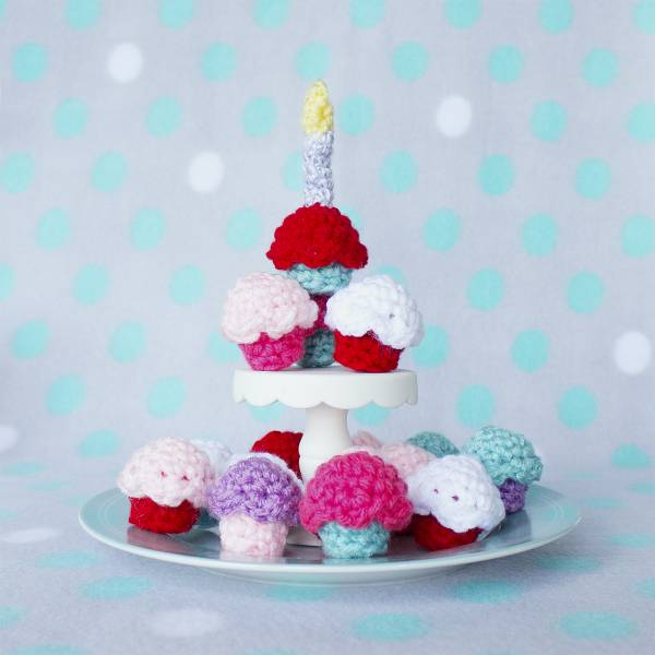 Amigurumi Pattern Easy : Free Pattern Amigurumi Cupcakes Crochet